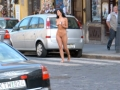 naked-girl-in-public