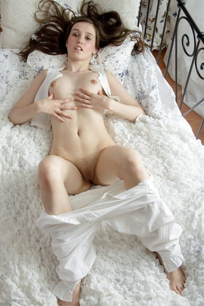 abelinda-stripping-naked