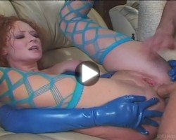 audrey-hollander-blue-outfit