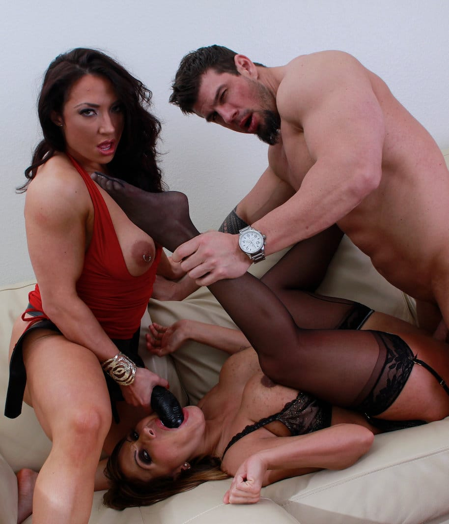 ava-devine-and-brandi-mae-in-hardcore-threesome