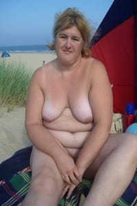 bbw-milf-naked-at-the-beach