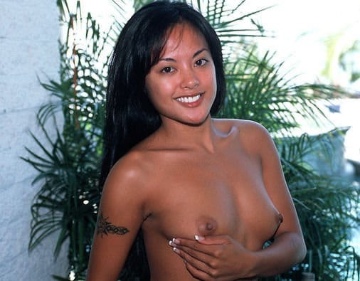 beautiful-asian-kaylani-lei-topless