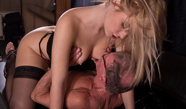 beauty-and-the-senior-fucking-with-an-old-guy