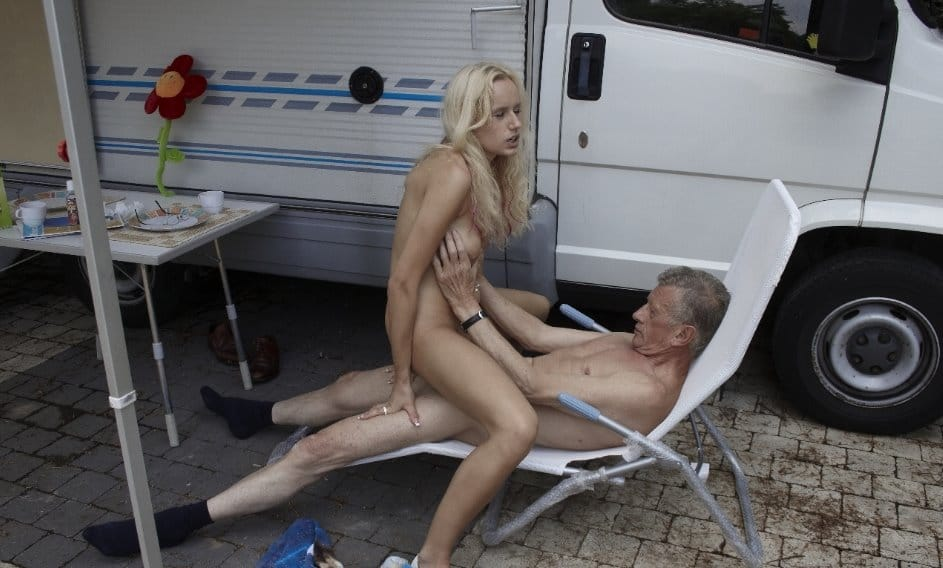 beauty-and-the-senior-in-the-trailer-park