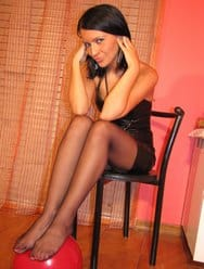 black-pantyhose-hot-brunette