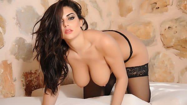 charlotte-springer-video-sexy-black-lingerie
