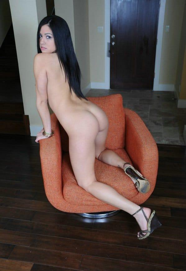 cierra-spice-nude