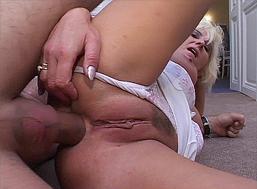 crazy-old-moms-crazy-blonde-mom-in-deep-anal