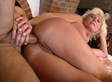 crazy-old-moms-slutty-granny-in-anal-sex