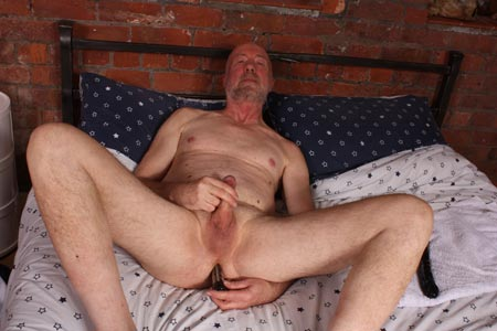 daddystrokes-horny-daddy-with-a-big-dildo-gay