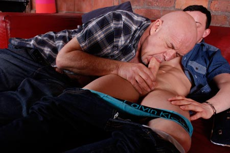 daddystrokes-makeout-session