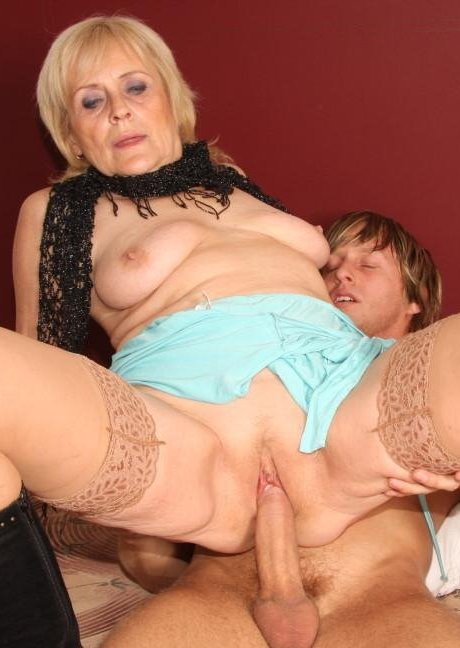 granny-bet-sex