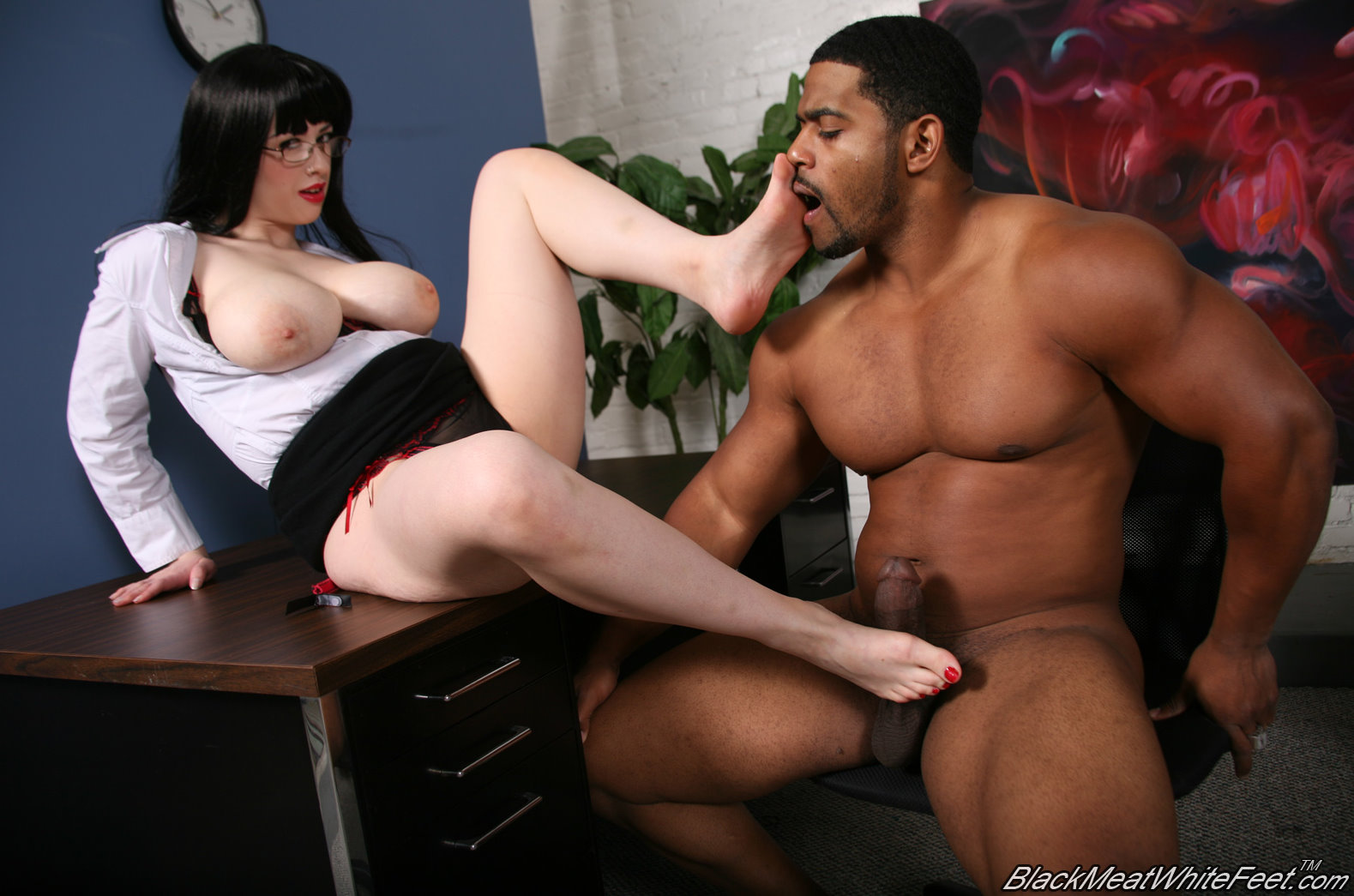interracial-footjob-with-larkin-love