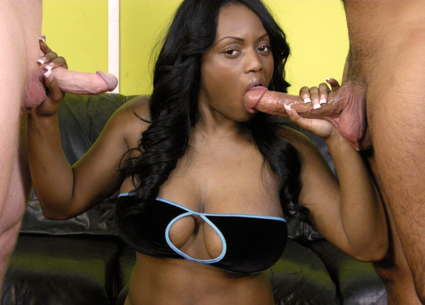 jada-fire-offers-deepthroat-ghetto-gaggers
