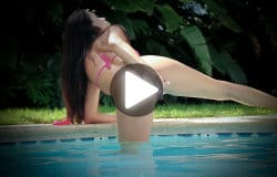 janessa-brazil-dildo-fucking-at-the-pool