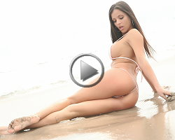 janessa-brazil-video-on-the-beach