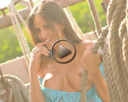 janessa-brazil-video-public-boat