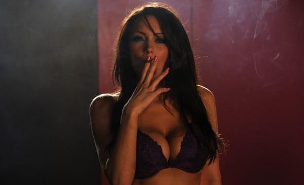 jenna_smoking_in_sexybra_and_panties