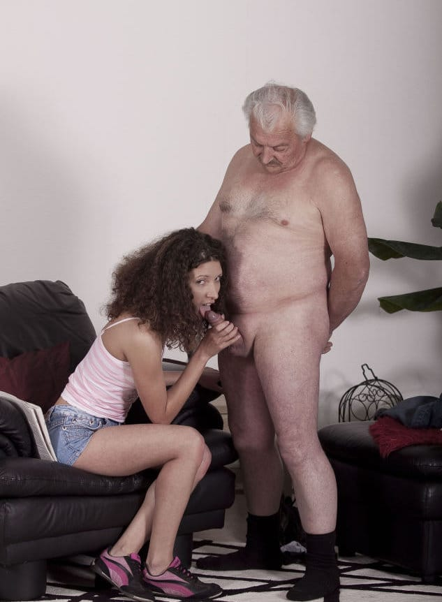 jim-slip-kinky-babe-sucking-old-dick