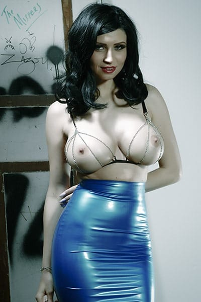 latex-heaven-lilly
