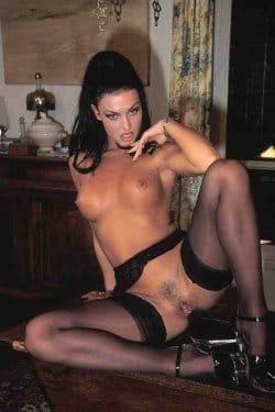 laura-nude-xxx-free-pics-1