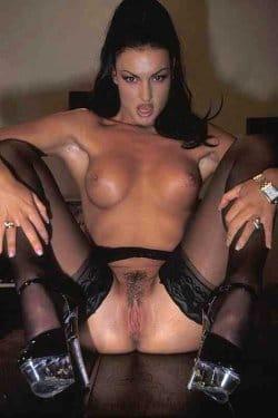laura-nude-xxx-free-pics-5