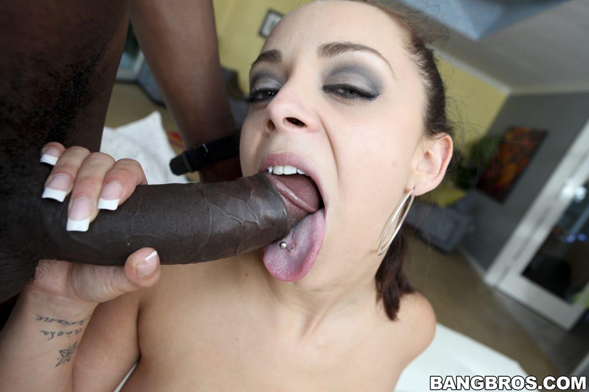 liza-del-sierra-interracial-fuck-bangbros