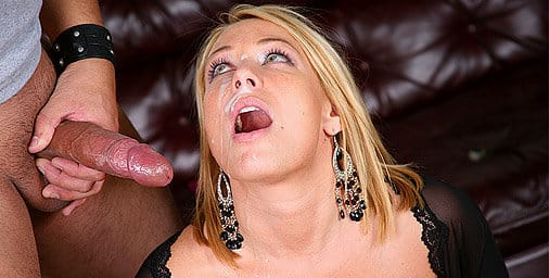 loadmymouth-mellanie-monroe-works-for-a-nice-thick-facial