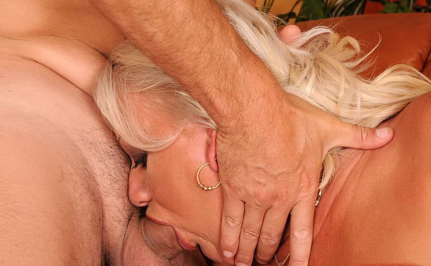 lusty-grandmas-hormy-mature-getting-mouth-fucked