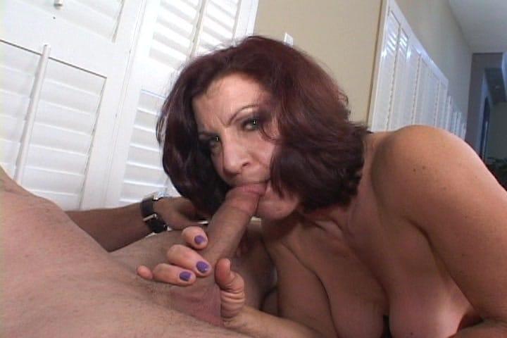 mature-women-giving-blowjob