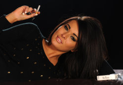 models-smoking-free-pics-4