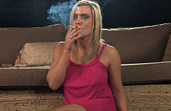 models-smoking-free-pics-7