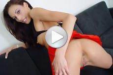 mompov-video-layla-rivera