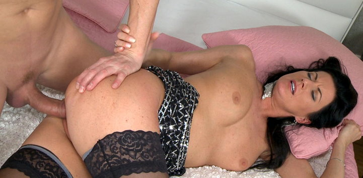 momxxx-mature-lady-fucked