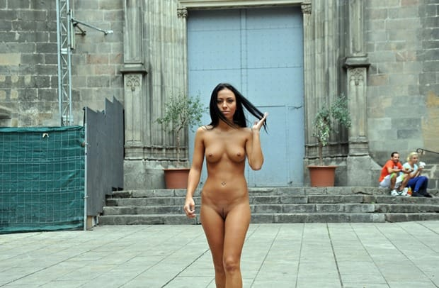 nude-in-public-nikola-and-her-sweet-boobies