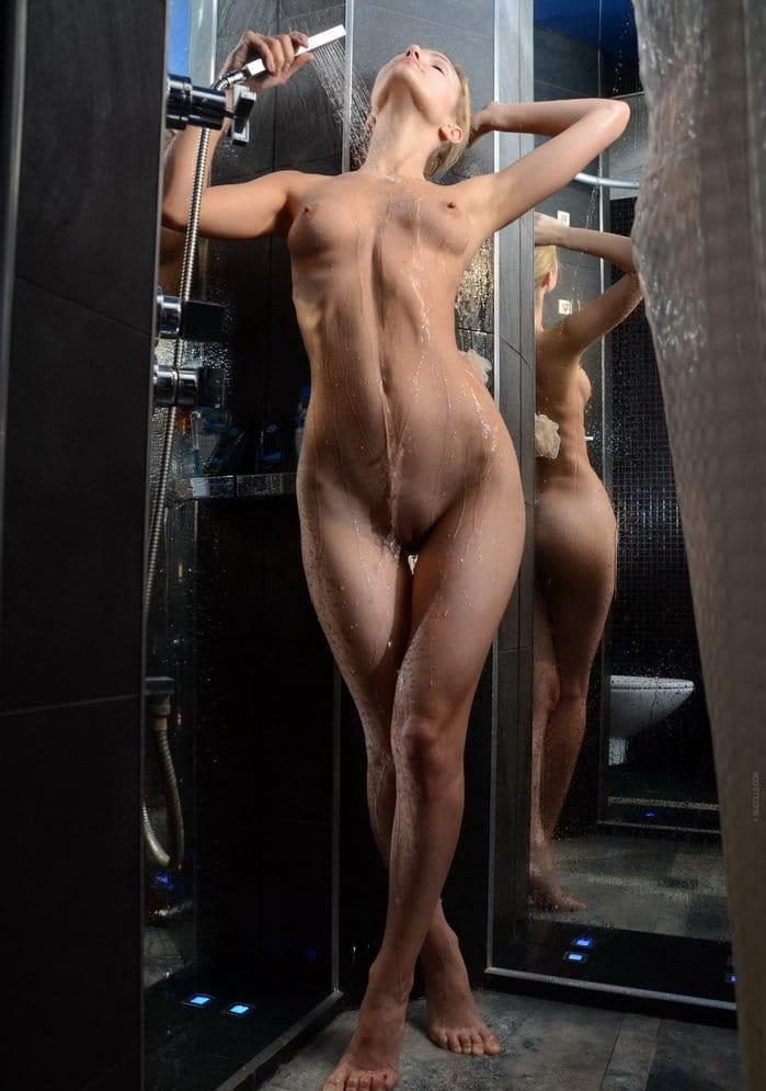 nudolls-gorgeous-skinny-blonde-showering