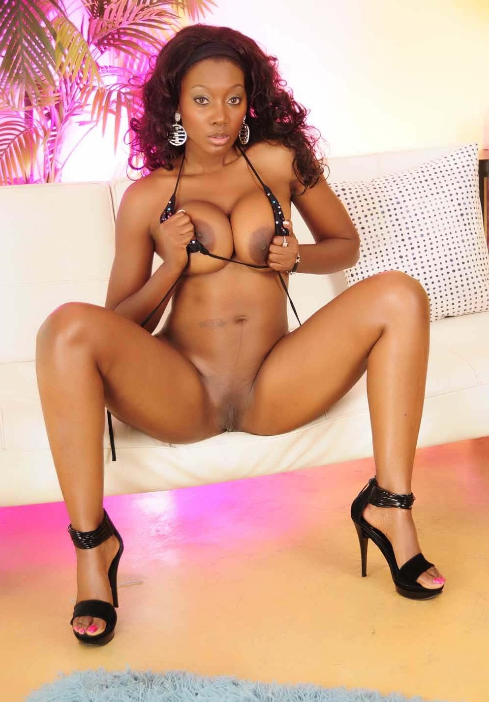 nyomi-banxxx-playing-with-her-tits