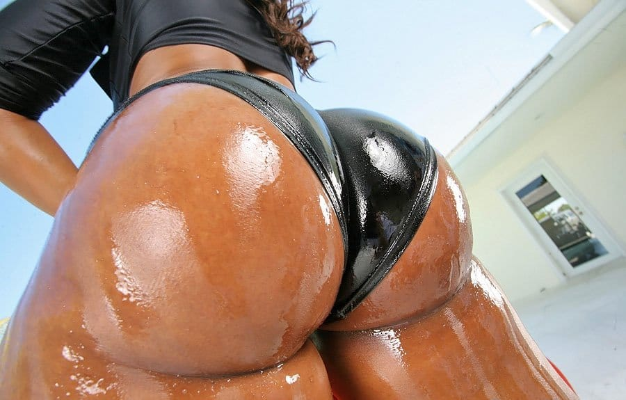 onion-booty-ayana-and-her-oily-bubble-but