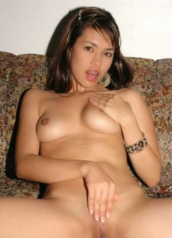 pamela-nude-free-pics-18