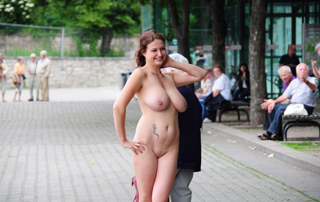 public-nude-pics