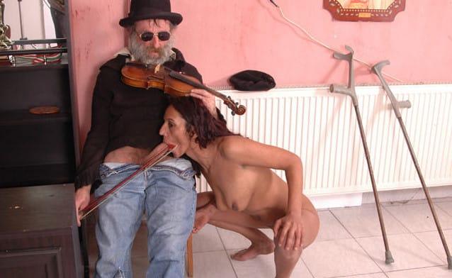 raw-handicap-sex-bizzare-fucking-scene