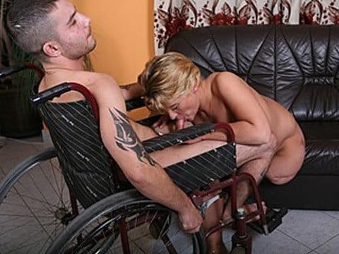 raw-handicap-sex-blonde-leg-amputee-receiving-a-proper-fuck