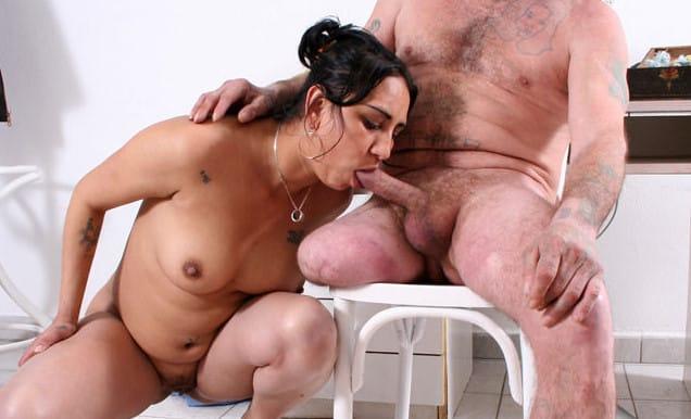 raw-handicap-sex-chubby-lady-rids-handicap-dude