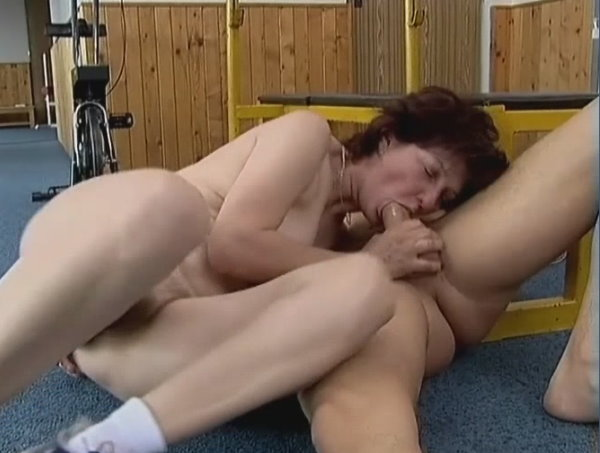 retro-mature-in-anal-video
