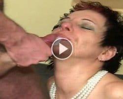 retro-mature-videos-kinky-mature-gets-a-facial