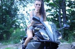 smoking_models_videos_biker_chick_becky_holt