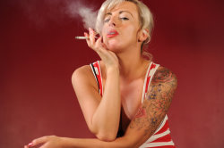 smoking_models_videos_charlie