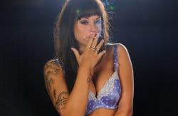 smoking_models_videos_danielle_sheehan