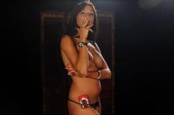 smoking_models_videos_lola_smokes_marlboro_reds