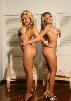 spice-twins-pics-3